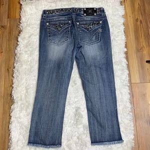 MISS ME Signatured Cuffed Capri Sz 29 **BLING**